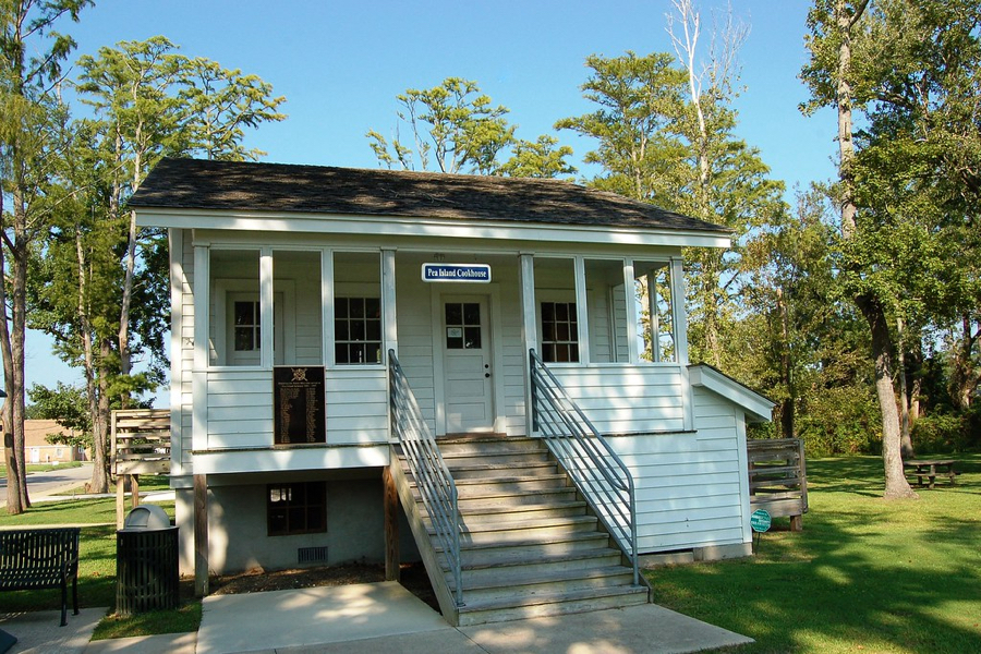 Cookhouse Museum in Manteo.
